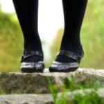 黒タイツはいつから履いていい?履き始める時期の目安は?