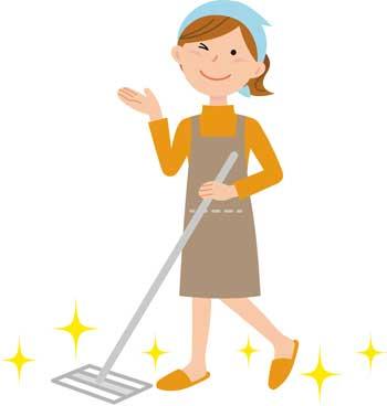大掃除をする女性